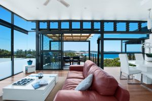 One Mile Retreat - Surfers Gold Coast