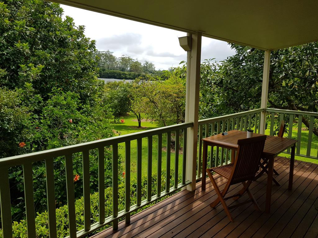 Camelot Cottages - Surfers Gold Coast