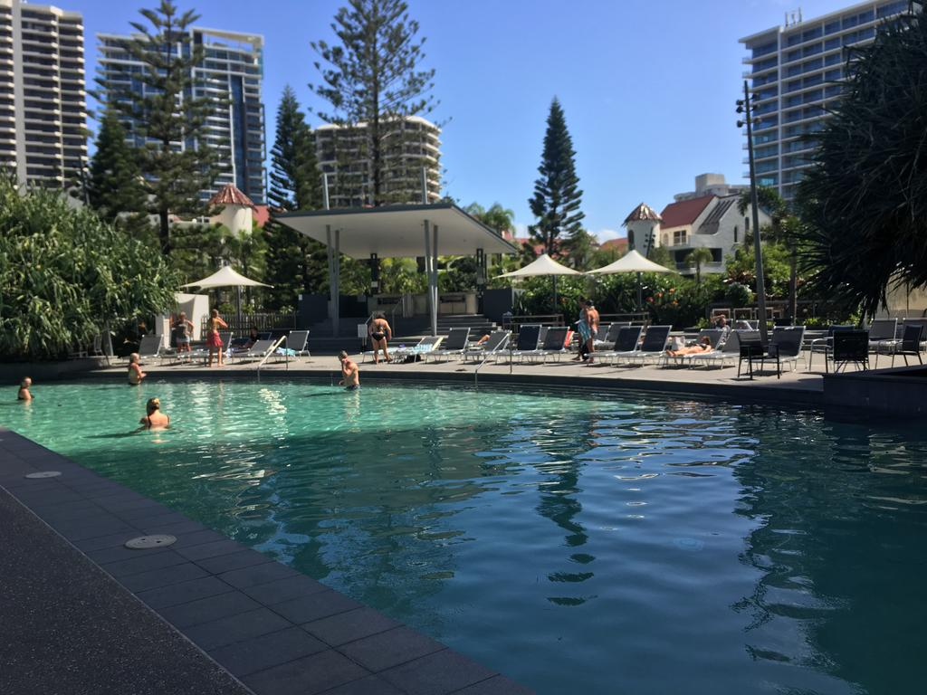 Hamilton Avenue Luxury Apartments - Surfers Gold Coast